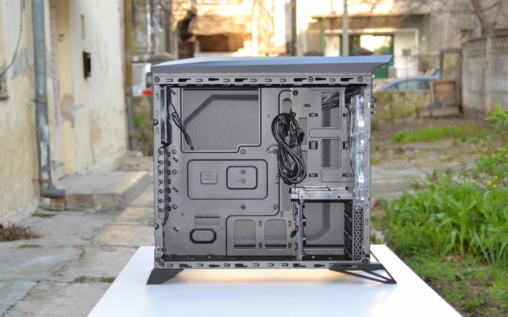 Corsair Carbide Spec Alpha interior side 1
