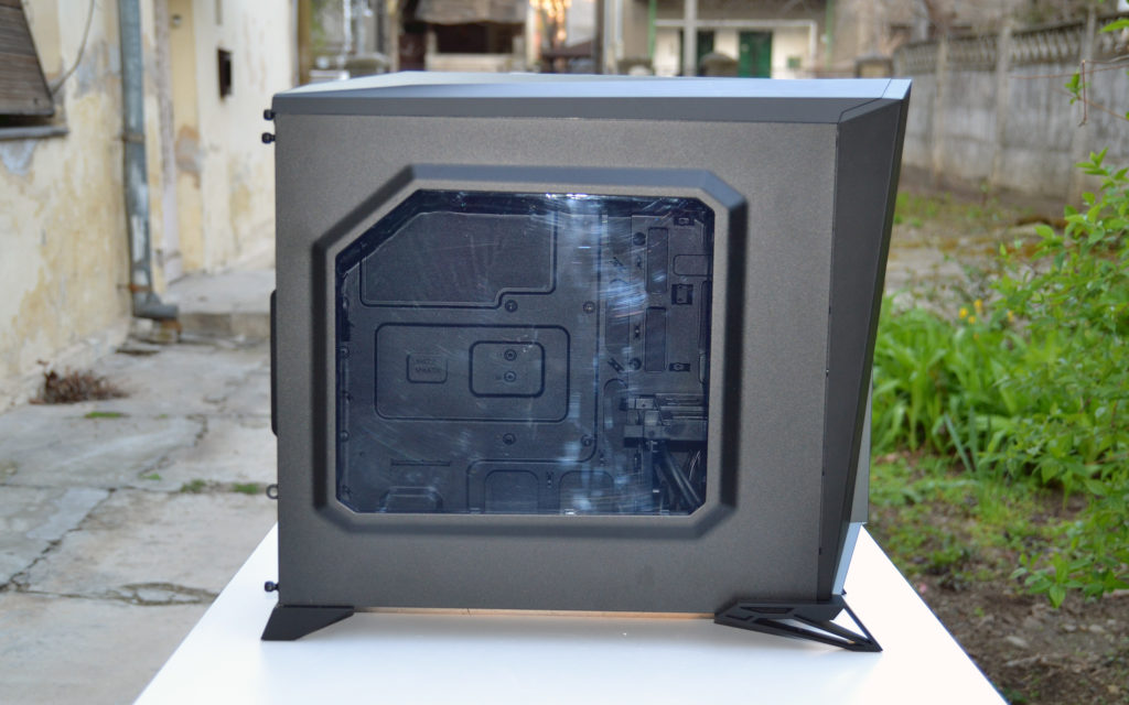 Corsair Carbide Spec Alpha side 2